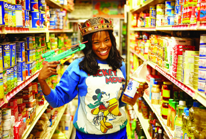 Azealia_Banks_food_store_press