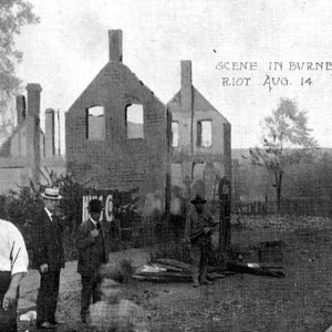 Black district destroyed by white mob- Springfield, IL race riot 1908 #whiteriots