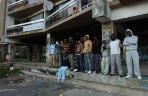 """France: l'union nationale mise à mal dans des banlieues """"fracturées"""""""