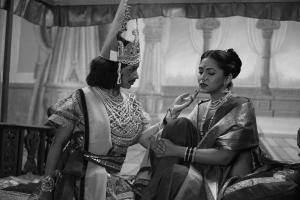Mitraa. DIR Ravi Jadhav