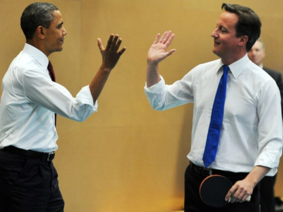Cameron and Obama play table tennis in London school 2