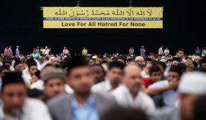 ahmadi-muslims-gather-hampshire-uk
