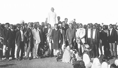 Gandhi addressing a farewell rally in Durban, South African, 1914