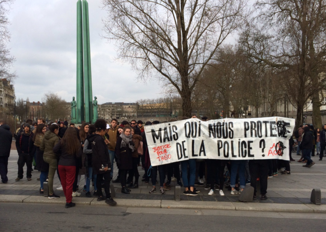 Protests in Nantes by @ClementGregory on Twitter