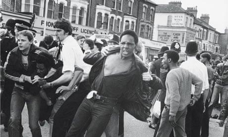 brixton-1981-riot-spark-007